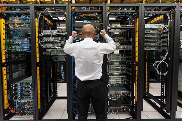 Как избежать распространенных ошибок при размещении сервера в стойке